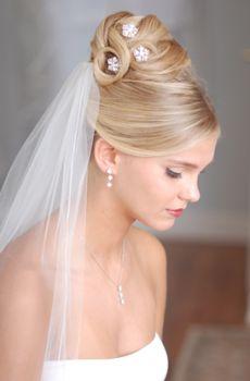 Fryzury ślubne 2011 Kosmetologia